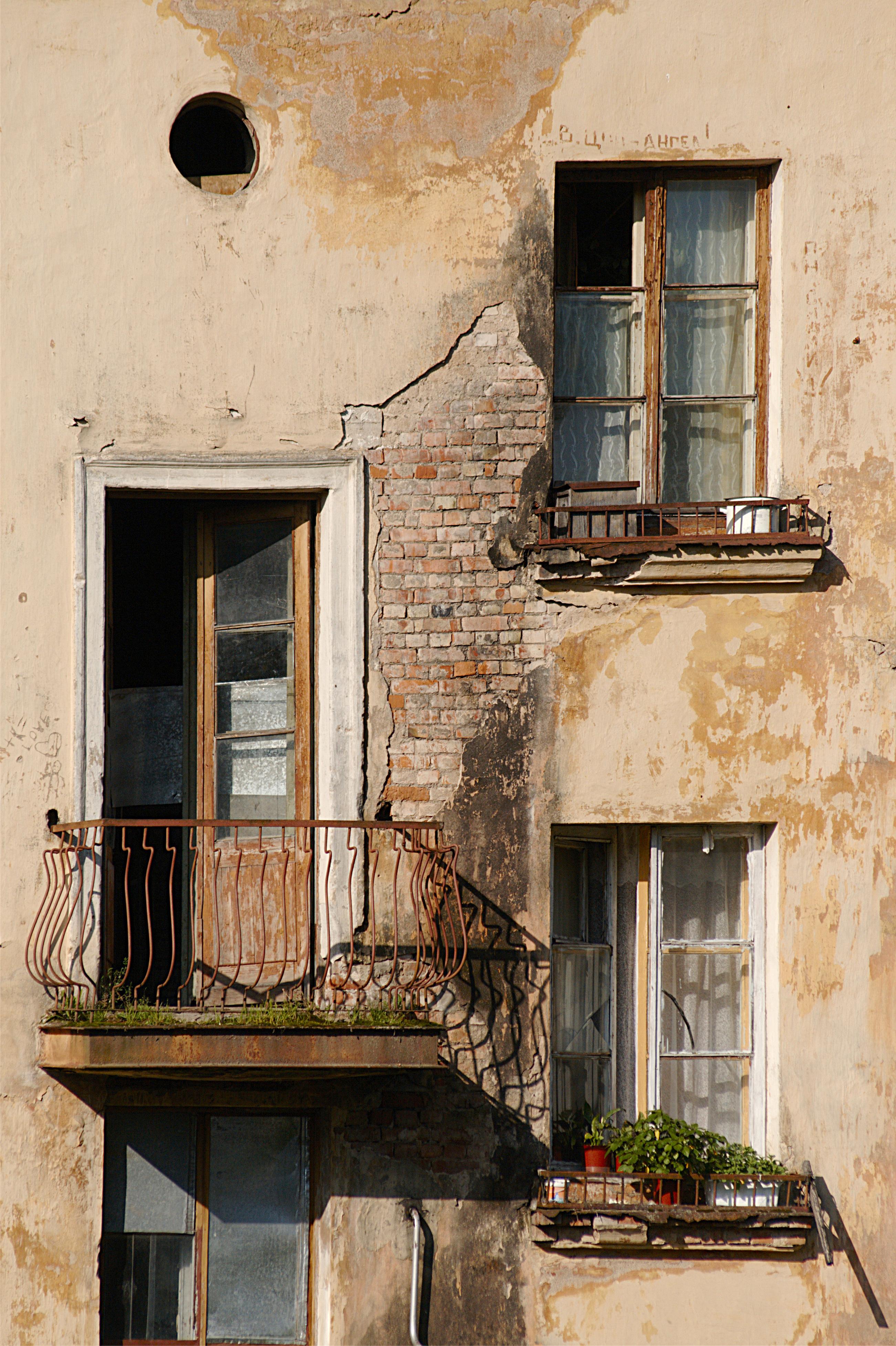 Cómo reclamar por daños en la vivienda