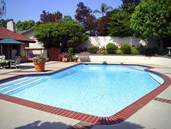 piscina jardin comunidad