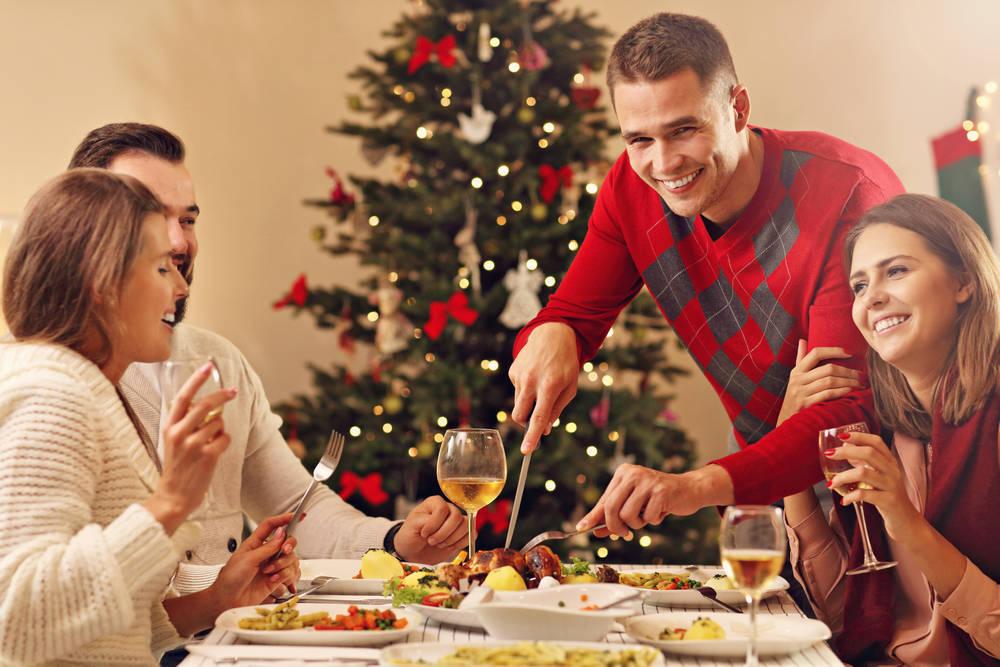 ¿Por qué no celebrar una cena de Navidad en la comunidad de vecinos?